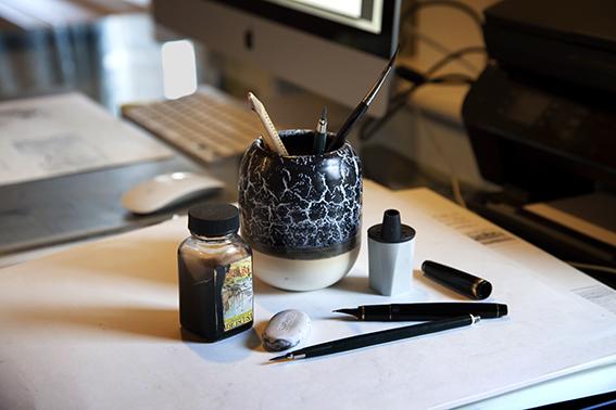 homdox 33579 led buch lampe tischlampe aus buche 2 500 mah mit usb kabel warm wei smash. Black Bedroom Furniture Sets. Home Design Ideas